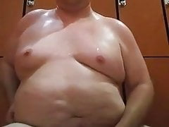 smooth chub jacob jacks his small penis in the locker roomPorn Videos