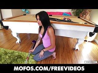 Latina Sex Tapes La formosa Latina prende in giro nei suoi pantaloni da yoga