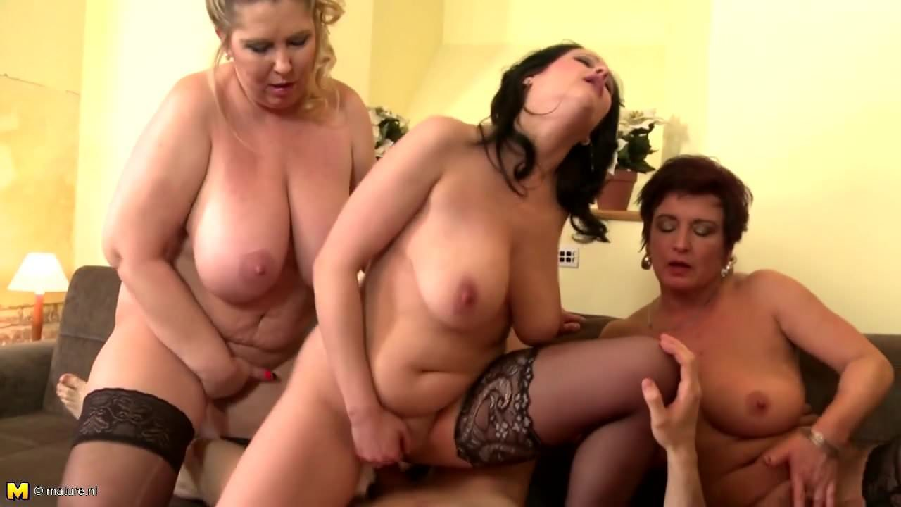 Boy Between Two Trannies M27 Shemale Porn Shemale Boy Two