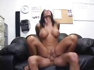 Veronica Rayne: Super Hot MILF