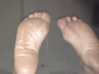 SOLES FULL OF WRIKLES ON DISPLAY