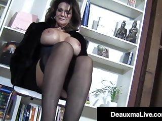 Pantyhosed texas cougar deauxma hard cock...
