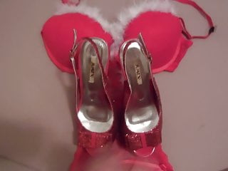Cum on her red christmas heels an bra...