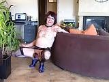 Diana pute dans son salon