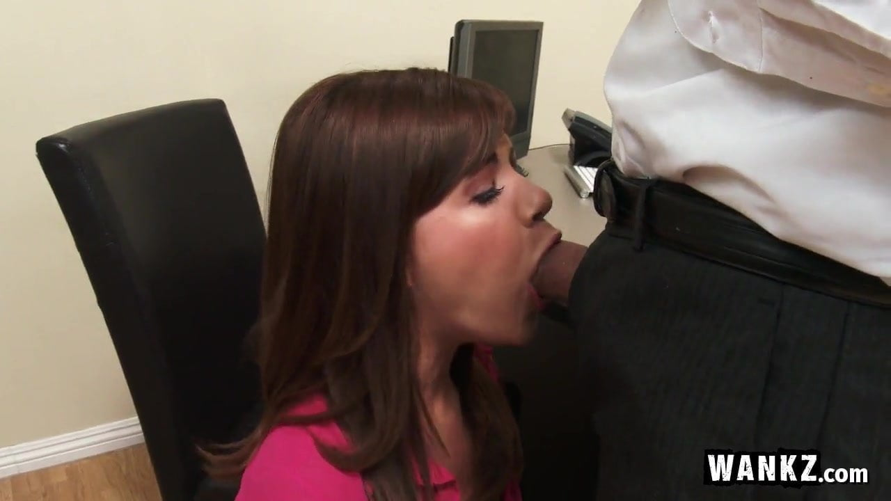 amateur fucking in office for promotion