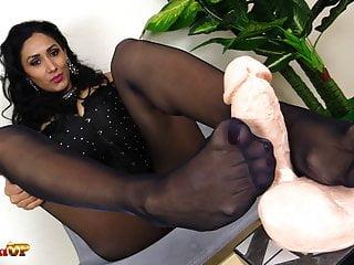 Alexya Mistress black in and pantyhose footjob handjob Hot