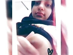 Cute Harmless Hijabi Teenie Demonstrates Boobs