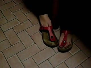 birkenstock gizeh dangling and step