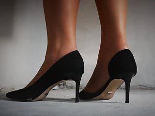 Milf hard on stockings legs and feet...