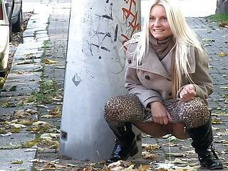 Voyeur Czech Blonde video: Pissing On The Sidewalk