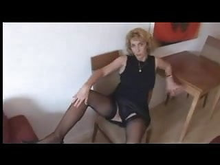 Lady Shows All 83
