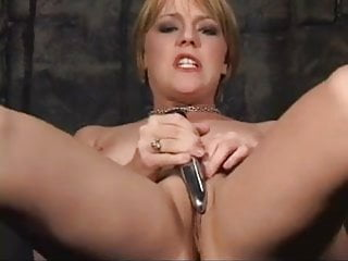 missy and the dildo
