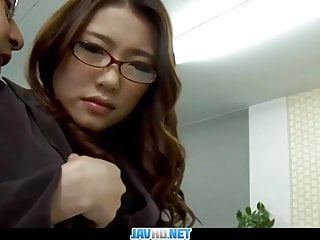 Subtitles – Boss fucked her japanese secretary Ibuki