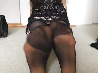 Filmer's 21 yo Asian GF in Nylons Feet