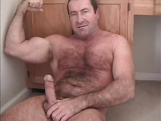 Gay Muscledaddy Hairy Man Jackingoff