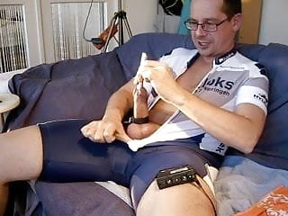 Spandex cyclewear in 2 cam angles...