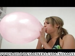 Looner teen popping a bunch of balloons in popping comp.
