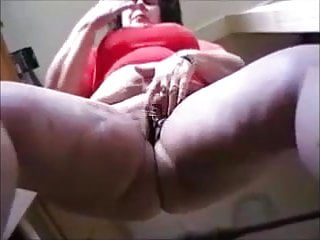 Granny in pantyhose show butt and masturbating...