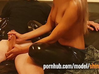 The Adult Video Experience – Topless 18 year girl oil handjob in shiny vinyl leggings