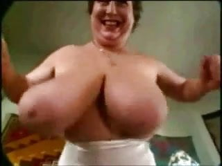 Shake Those Big Titties, Mama!