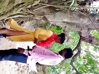 Indian slut, full outdoor clips