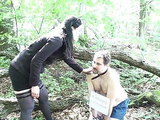 face slapping at trekking tour