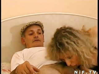 Sodomized in 3way with papy voyeur...