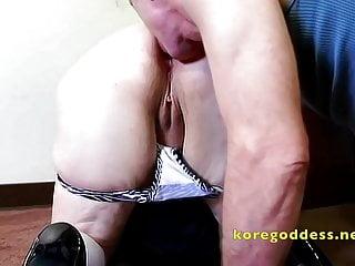 Mature student drops her panties...
