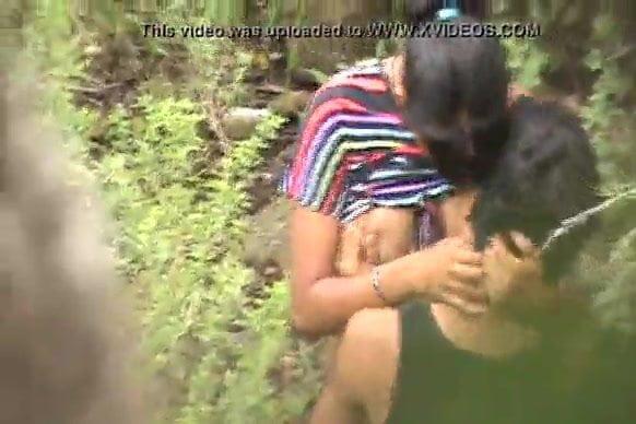desi outdoor Bf & Gf love sex Hidden Camera