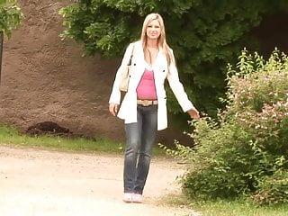 Sexy Carol Goldnerova