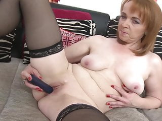 pussy Mature mom hungry her fucks