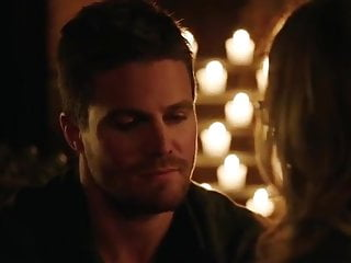 18 hot arrow 3x20 oliver and felicity...
