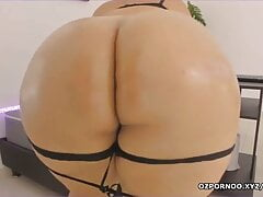 Spreading her big ass to see tight anus