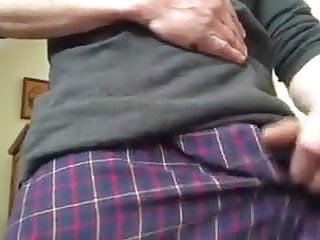 STR8 GUY JERKING HIS BIG COCK