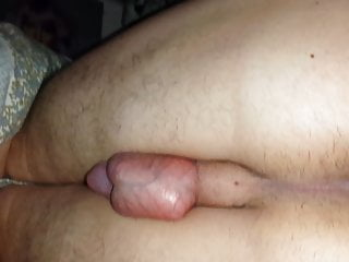 ChubbyCartman93 shows his tasty butt