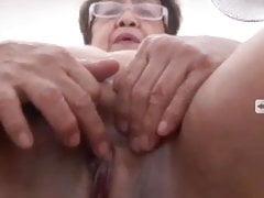 My Filipina granny gf squirts, part 1