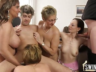 Fick-Orgie auf dem Klassentreff