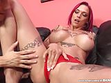 Anna Bell Peaks squirts like a fountain