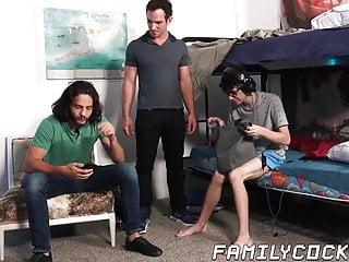 Nerdy has breeding threesome with stepfamily...