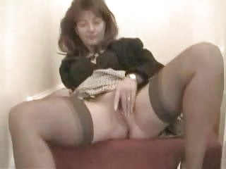Mature housewife gives us a price less show!