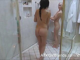 Sofia Banks Lara Brookes e Skylar Green con un creampie