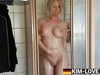 milf fucking her self under the shower! huge tit mama skinnyPorn Videos