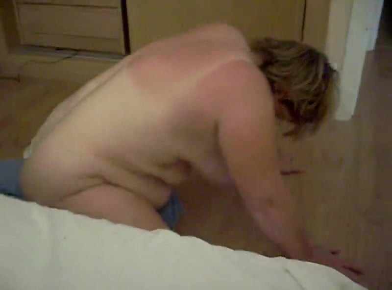 Guy Humping Pillow Moaning