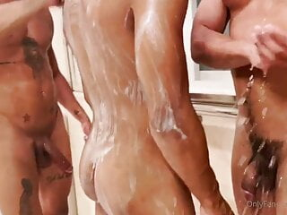 Hot 3some with Lucas Mancinni
