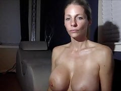 Busty Camgirl Milf Playing With Her Muff