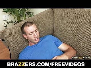 Brazzers Big tit MILF dottore scopa il suo paziente