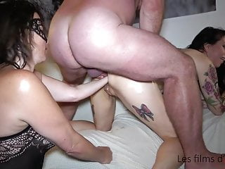 Adeline double fisted and fisting party with pervert...