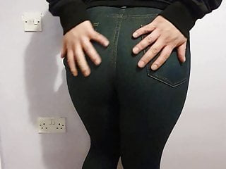 Showing of my Ass in Tight Jeans