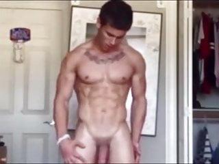 Splendid bodybuilder boy exhib and wank...