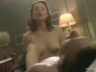 Julianne Moore nude – The End of the Affair